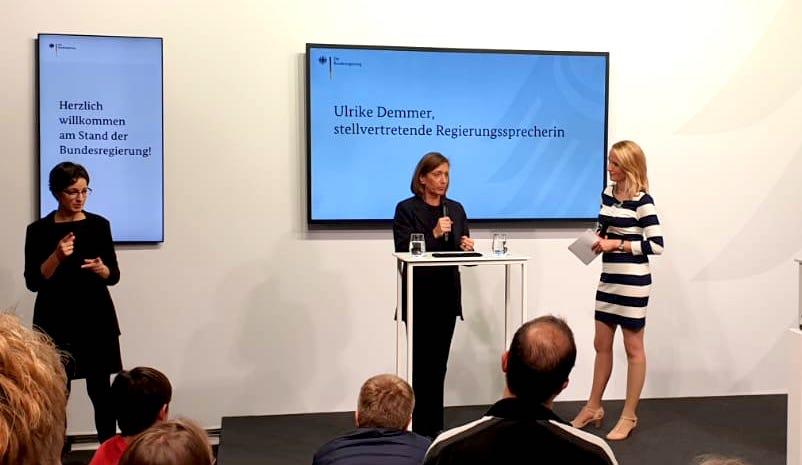 Merle Becker Moderatorin für die Bundesregierung auf der Buchmesse Frankfurt