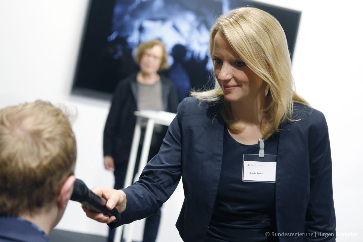 Moderation Merle Becker Politik Zivilgesellschaft Buchmesse Frankfurt Wertschatz Kommunikation